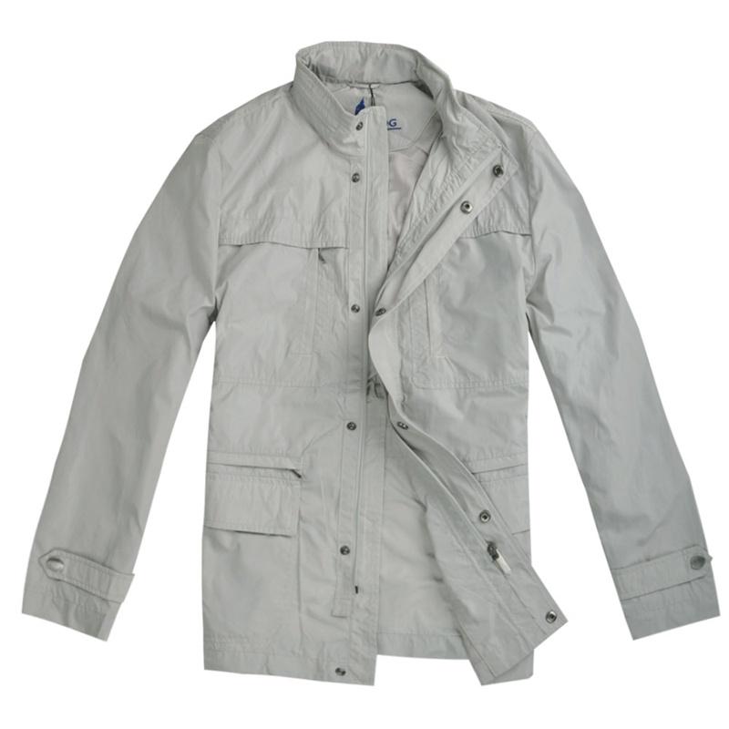 浅灰色夹克搭配图片