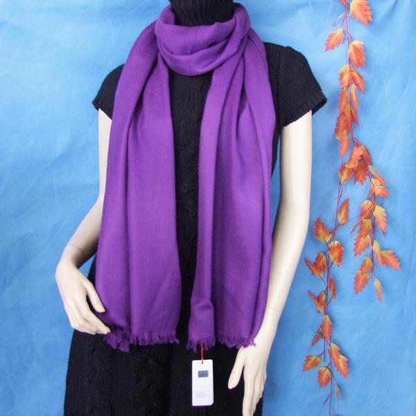 紫色长丝巾搭配